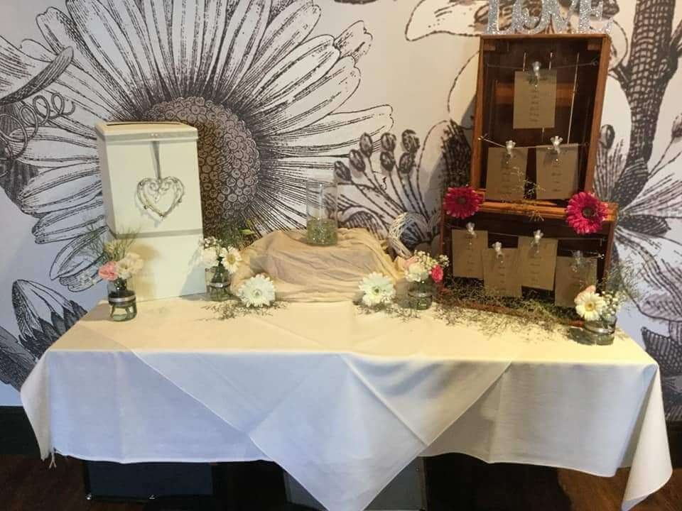 Weddings - Props to Hire - Palette Boxes - Table Planner with 'love' sign & pegs