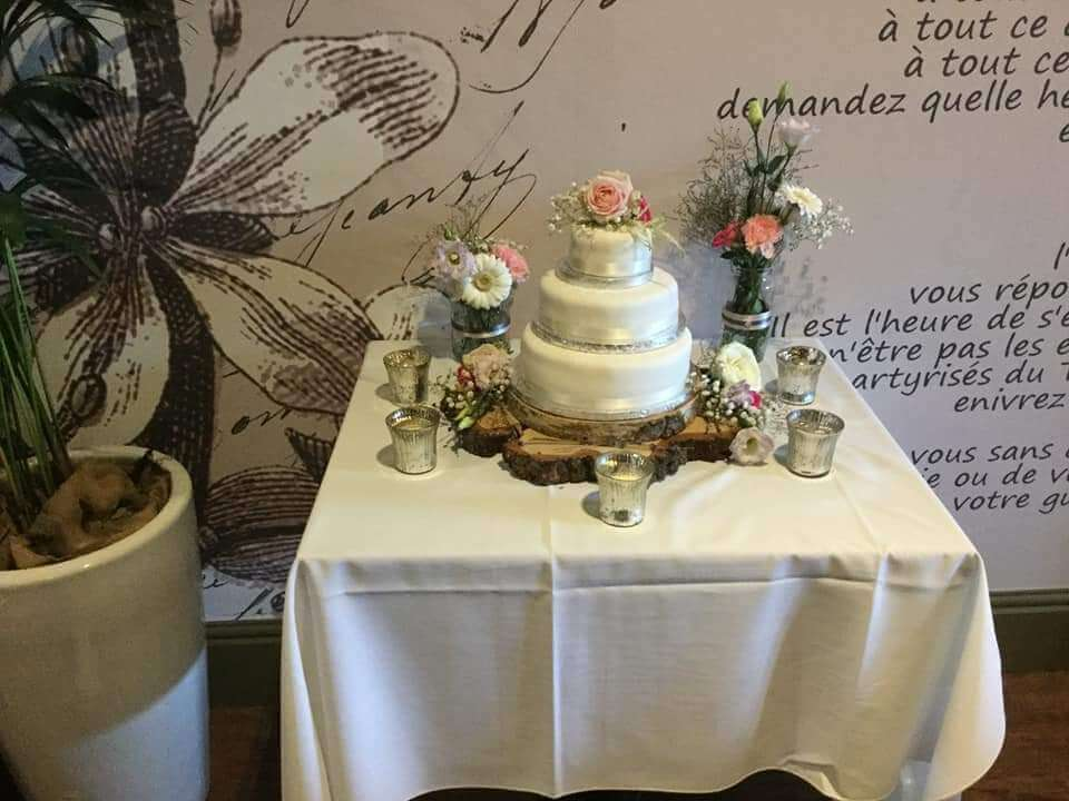 Weddings - Cake Flowers - Roses, Freesia, gyp & eustoma