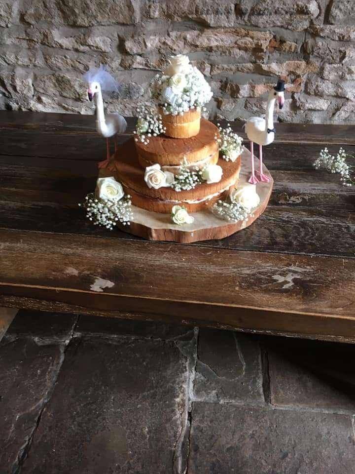 Weddings - Cake Flowers - Vendela Rose, spray roses & gyp