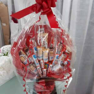 Kinder Bueno chocolate Hamper