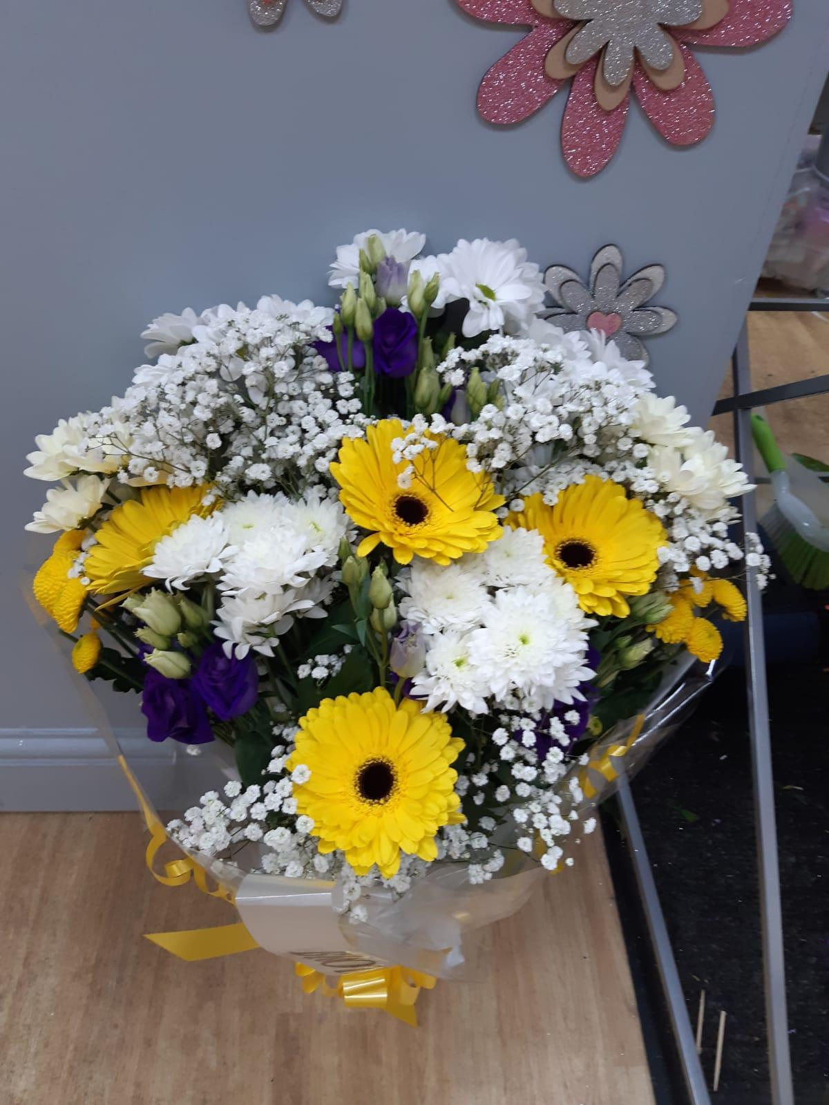 Funeral flat bouquet eustoma gyp Chrysant germini