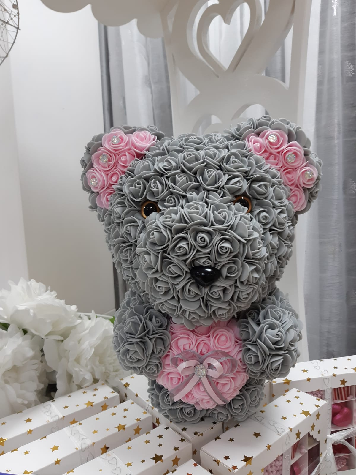 Gifts artificial stand up rose bear with heart
