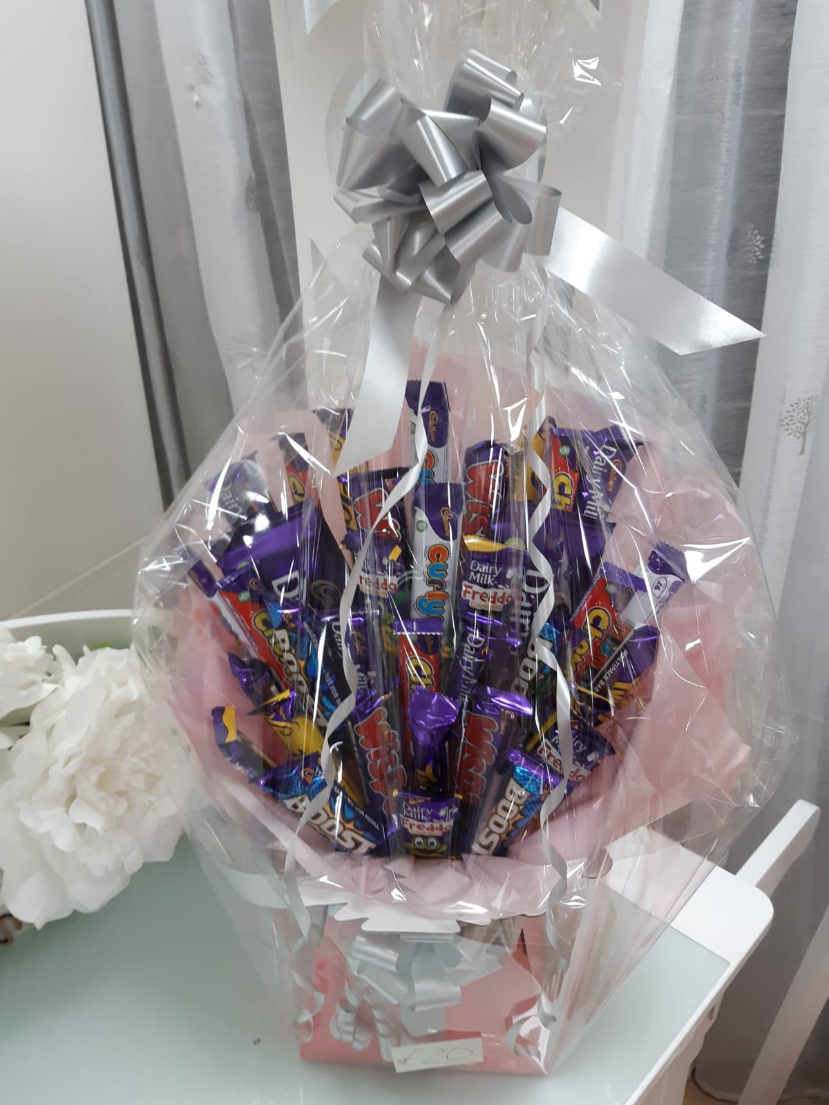 Gifts chocolate hamper 2