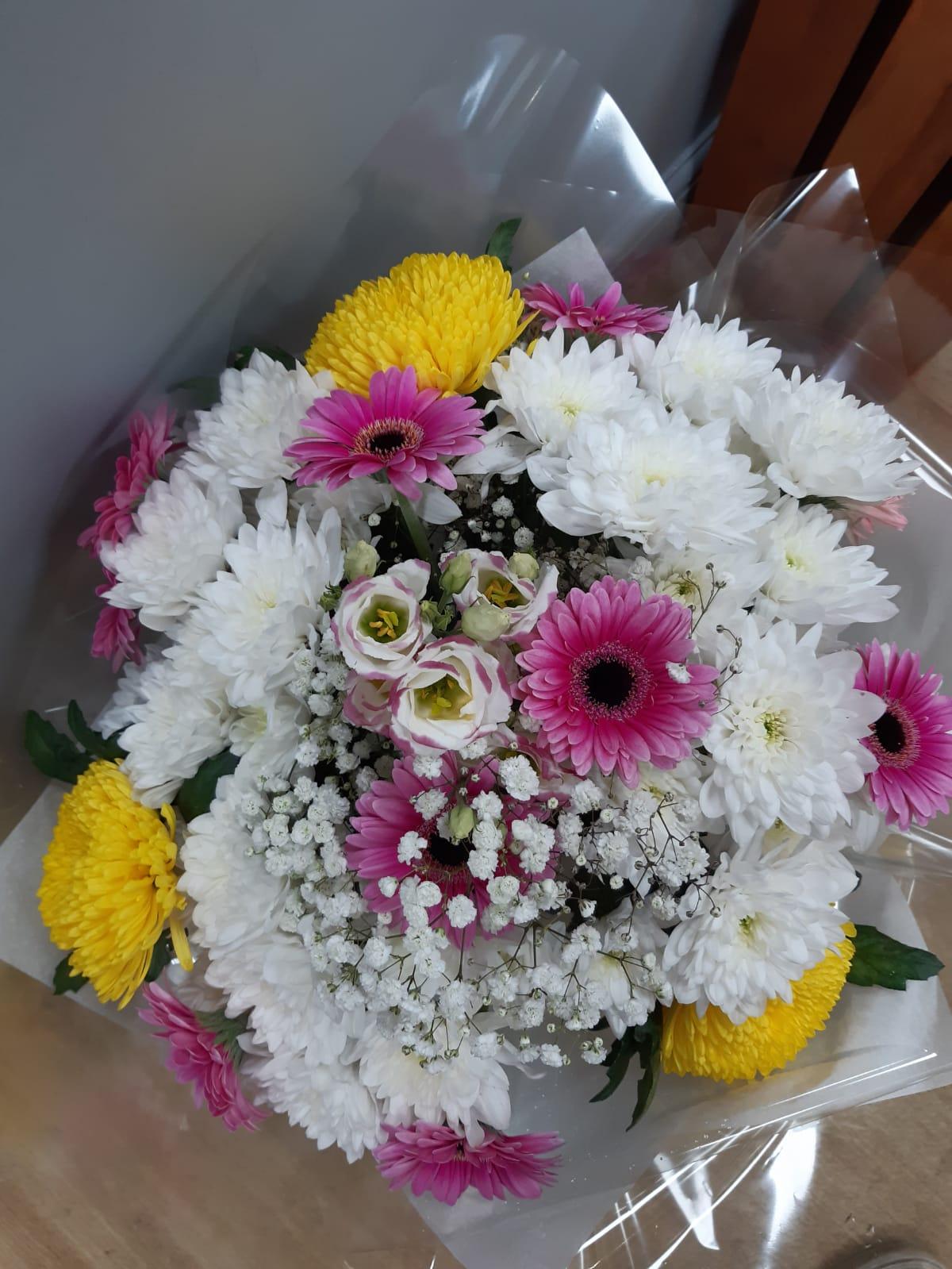Flower arrangements handtie bouquet 5