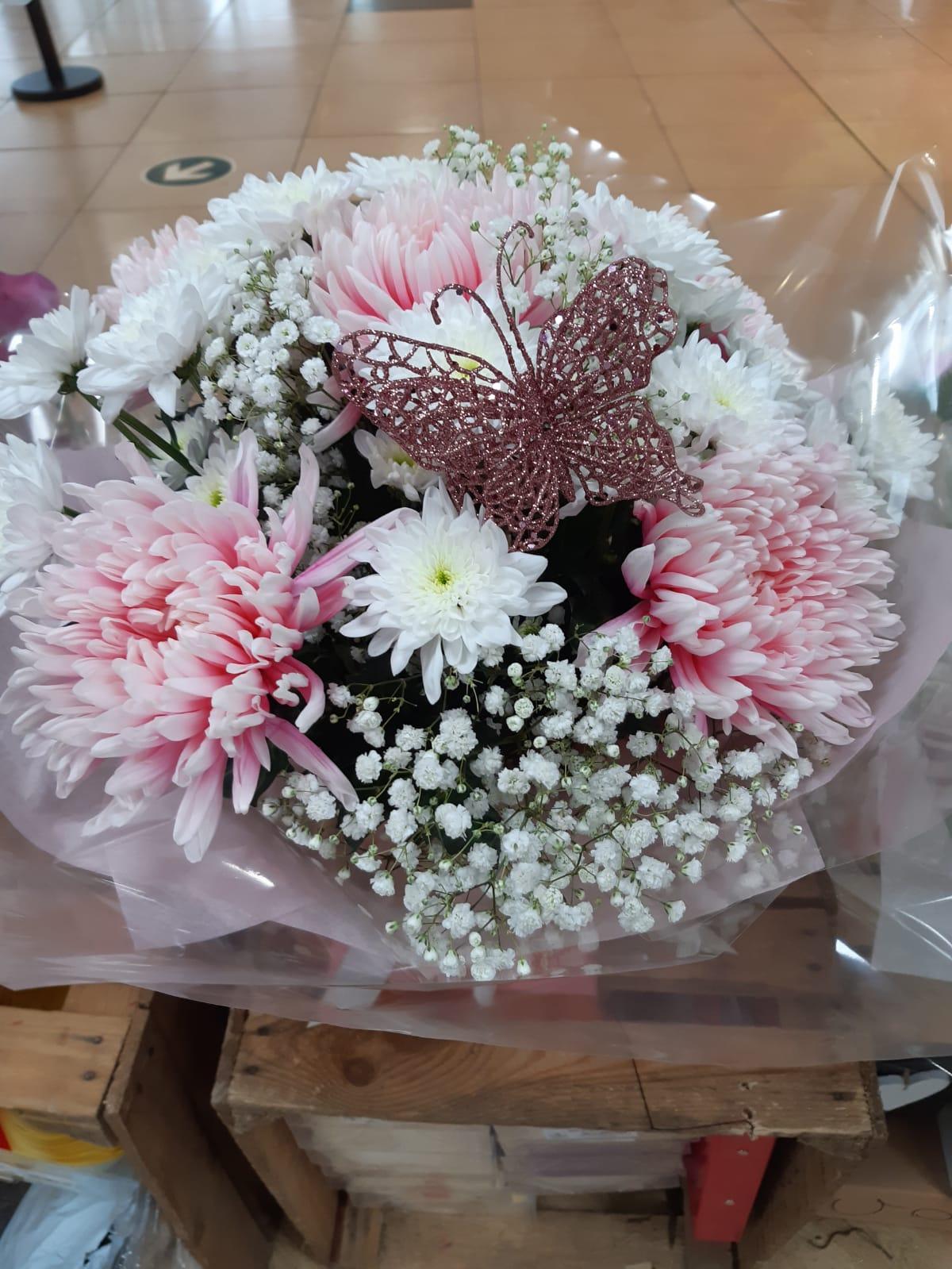 Flower arrangements handtie bouquet blooms chrysant